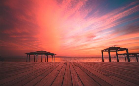 Fondos de pantalla Playa, mar, tablero de madera, puesta de sol, cielo rojo.