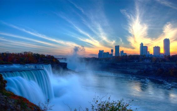 壁紙 美しいナイアガラの滝、街、霧、朝、カナダ