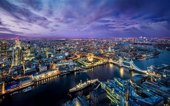 Fondos de pantalla Noche hermosa de la ciudad, Londres, río, puente, luces, nubes púrpuras, Reino Unido
