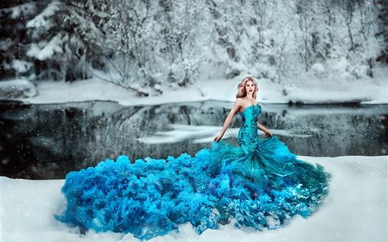 Fondos de pantalla Chica de falda azul, escamas, nieve, invierno