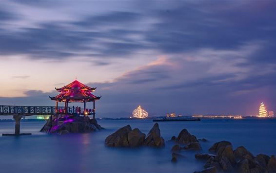 Fondos de pantalla China, mar, noche, gazebo, luces, piedras