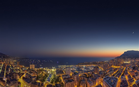 Fondos de pantalla Noche de la ciudad, iluminación, mar, edificios, barcos, luna.