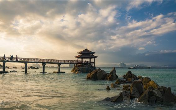 Fondos de pantalla Costa, mar, pabellón, nubes, atardecer.