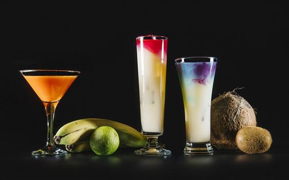 Fondos de pantalla Delicioso cóctel, coco, plátanos, lima, kiwi, fondo negro