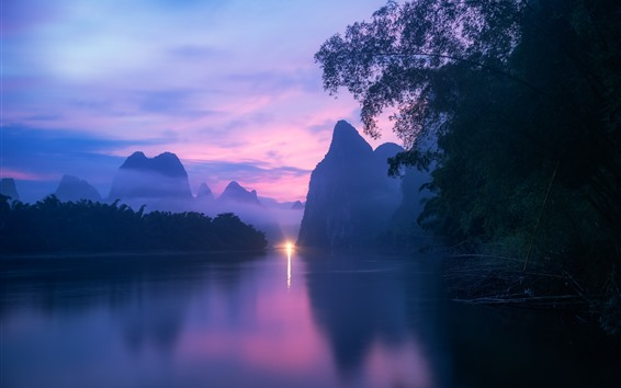 Fondos de pantalla Paisaje de la naturaleza de Guilin, río, montañas, niebla, oscuridad, luz, China
