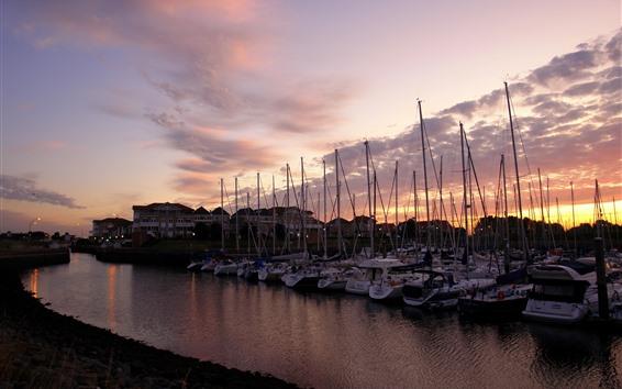 Fondos de pantalla Puerto, barcos, río, atardecer, nubes