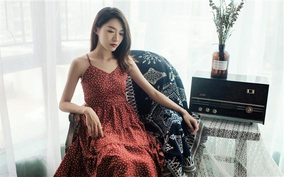 Fondos de pantalla Chica de falda roja, silla, radio, Retro