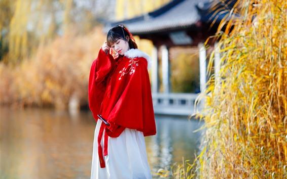 Fondos de pantalla Chica China de estilo retro, vestido rojo, lago, Parque
