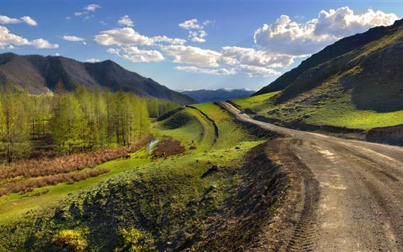 Fondos de pantalla Carretera, montañas, árboles, verde, nubes, cielo.