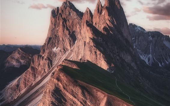 Fondos de pantalla Montaña de roca, pico, atardecer