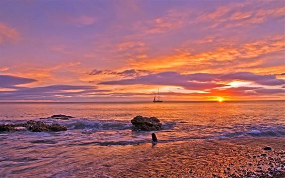 Fondos de pantalla Mar, barco, puesta de sol, cielo rojo.