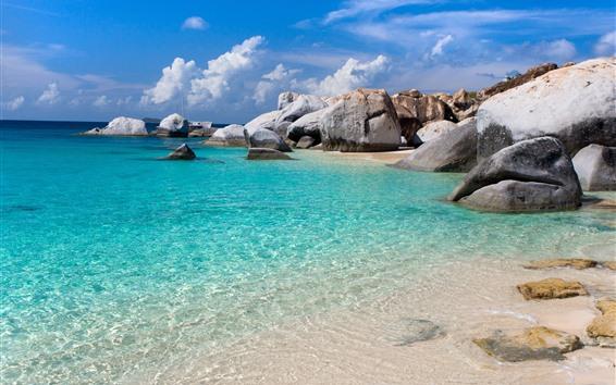 Fondos de pantalla Mar, agua cristalina, piedras, playa, nubes, tropical