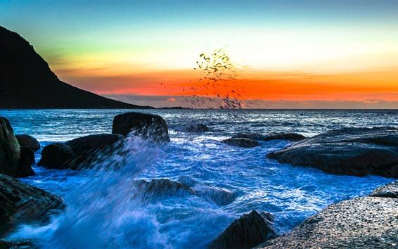 Fondos de pantalla Mar, salpicaduras de agua, rocas, puesta de sol