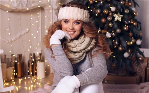 Fondos de pantalla Muchacha de la sonrisa, árbol de Navidad, luces