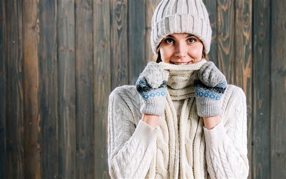 Fondos de pantalla Chica sonrisa, suéter, sombrero, invierno