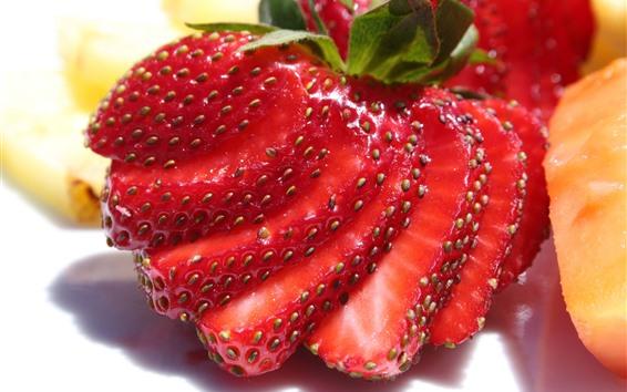 Fondos de pantalla Rebanada de fresa, postre de frutas.