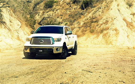 Wallpaper Toyota Tundra white car front view