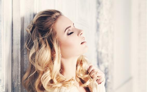 Wallpaper Blonde girl, curls, glare
