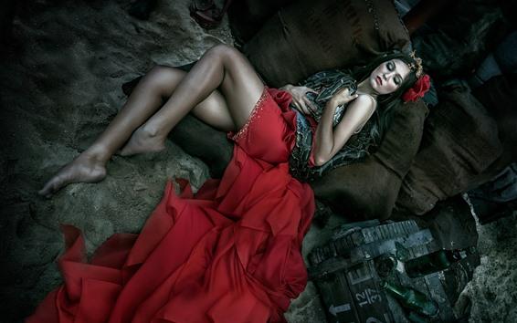 Обои Спящая девушка и змея