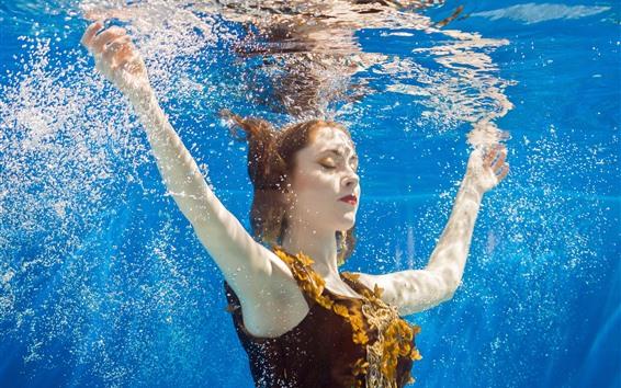 Fondos de pantalla Chica bajo el agua, burbujas de agua