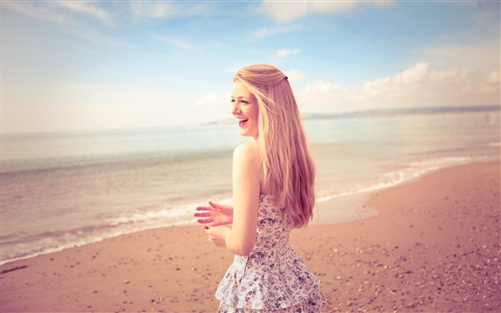 Fondos de pantalla Feliz niña rubia, falda, playa, mar, verano