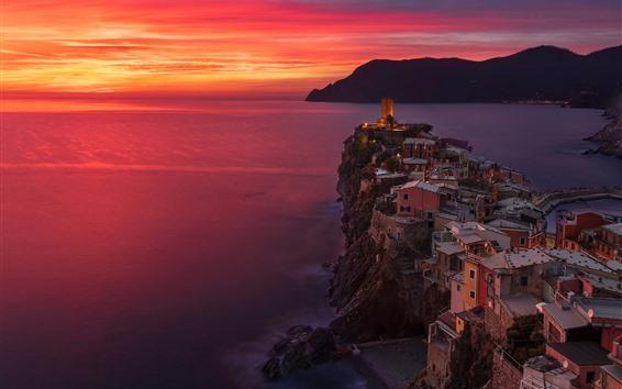 Papéis de Parede Itália, Cinque Terre, mar da Ligúria, Vernazza, mar, pôr do sol, céu vermelho