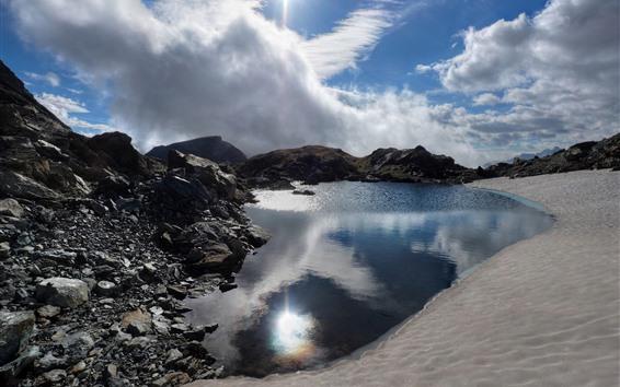 Papéis de Parede Lago, rochas, céu, nuvens brancas