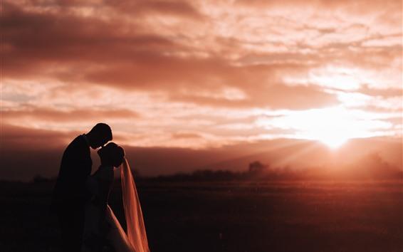 Fond d'écran Amoureux, coucher de soleil, silhouette