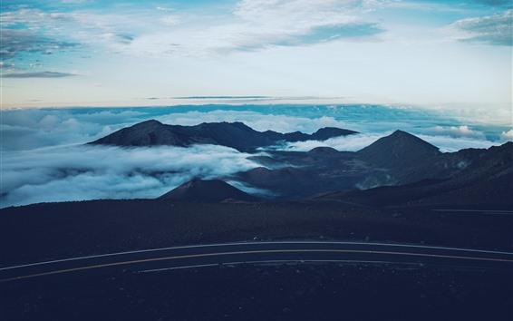 Fondos de pantalla Montañas, caminos, nubes, niebla.