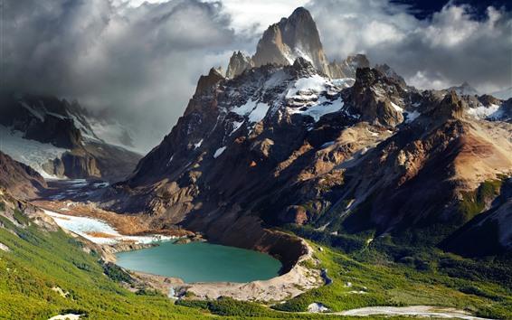 Fondos de pantalla Montañas, nieve, nubes, lago, verde, naturaleza paisaje