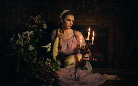 Fondos de pantalla Chica de estilo retro, velas, llama, flores de lirio, chimenea, oscuro