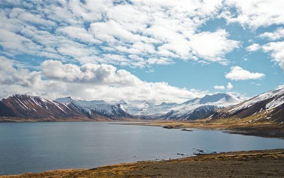 Fondos de pantalla Montañas nevadas, lago, nubes, paisaje natural.