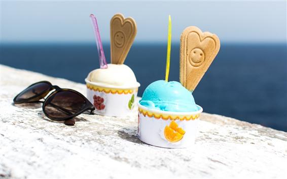 Fond d'écran Deux tasses de crème glacée, lunettes de soleil