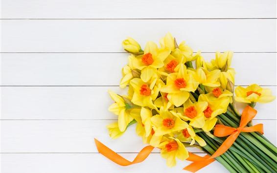 Fond d'écran Jonquilles jaunes, bouquet, planche de bois