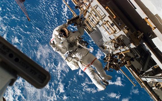 Wallpaper Cosmonaut, weightlessness, spaceship