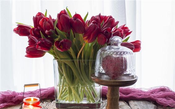 Fondos de pantalla Tulipanes rojos, vela, seda rosa.