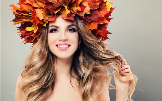 Wallpaper Smile girl, maple leaves, head decoration