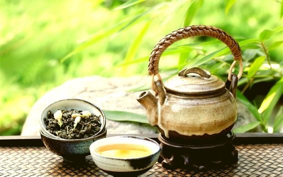 Обои Чайник, чай, чашка, зеленые листья бамбука