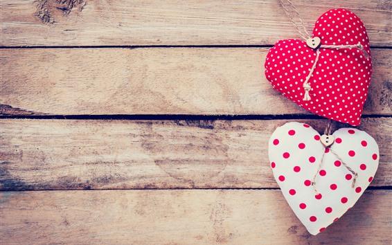 Обои Два любовных сердца, деревянная доска, романтично