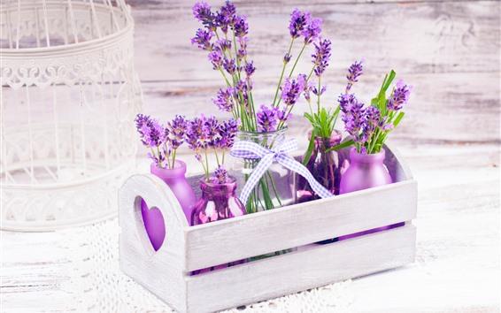 Papéis de Parede Flores de lavanda roxa linda, garrafas, caixa de madeira