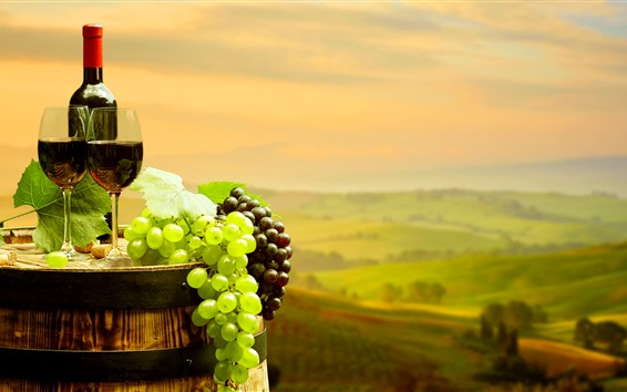 Hintergrundbilder Grüne und rote Trauben, Rotwein, Flasche, Becher, Fass