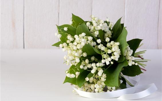 Обои Лилии долины, белые цветы, лента