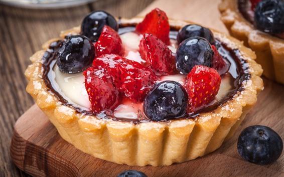 Обои Одна часть торта, ягоды, десерт