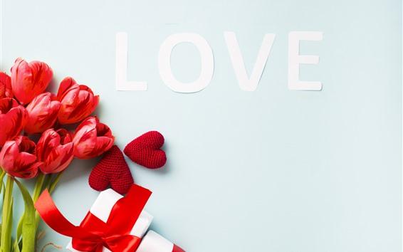 Обои Красные тюльпаны, любовь, любовные сердца, Подарки