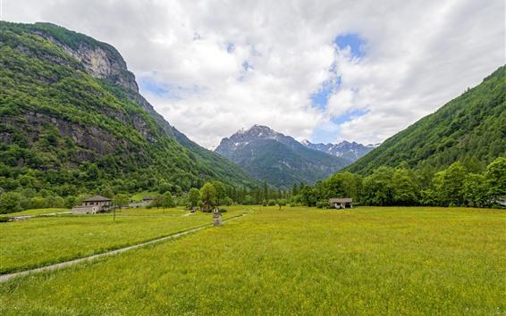 Fondos de pantalla Suiza, Cantón Ticino, campos, montañas, nubes, campo