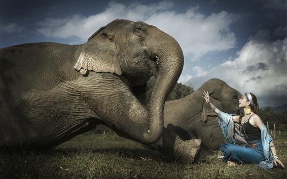 Обои Азиатская девушка и слон, друзья