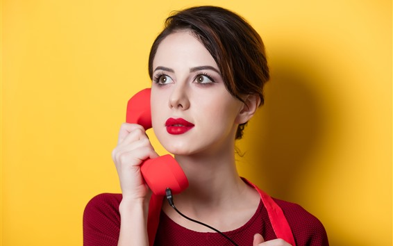Wallpaper Girl use telephone, yellow background