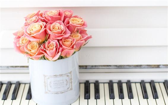 Обои Розовые розы, фортепиано