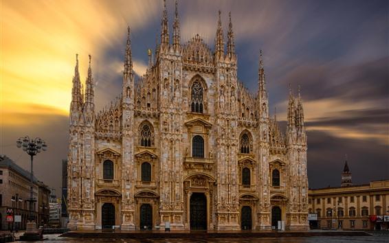 Papéis de Parede Catedral de Milão, Itália, raios de sol, amanhecer
