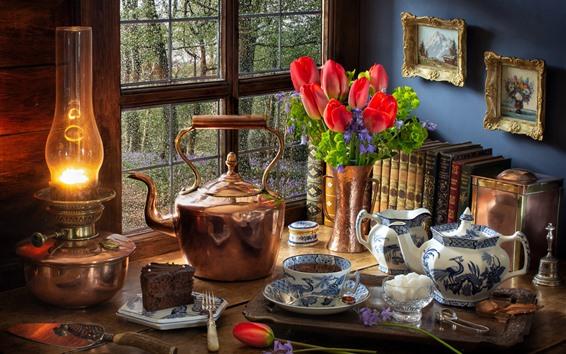 Papéis de Parede Ainda vida, tulipas vermelhas, chaleira, lâmpada, janela, chá, bolo, livros